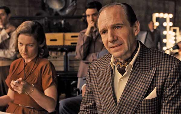 Ralph Fiennes as Lawrence Lawrentz